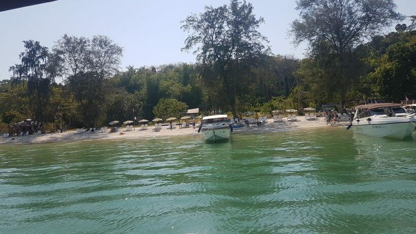 Boats parking Khai Island
