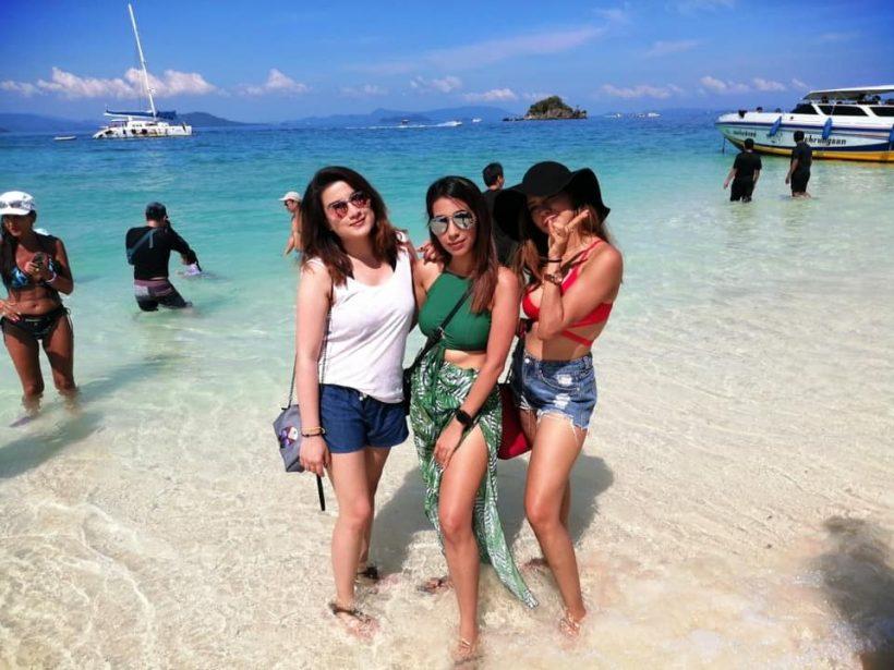khai island girls