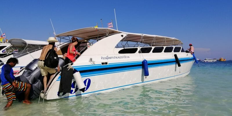 speedboat phi phi islands