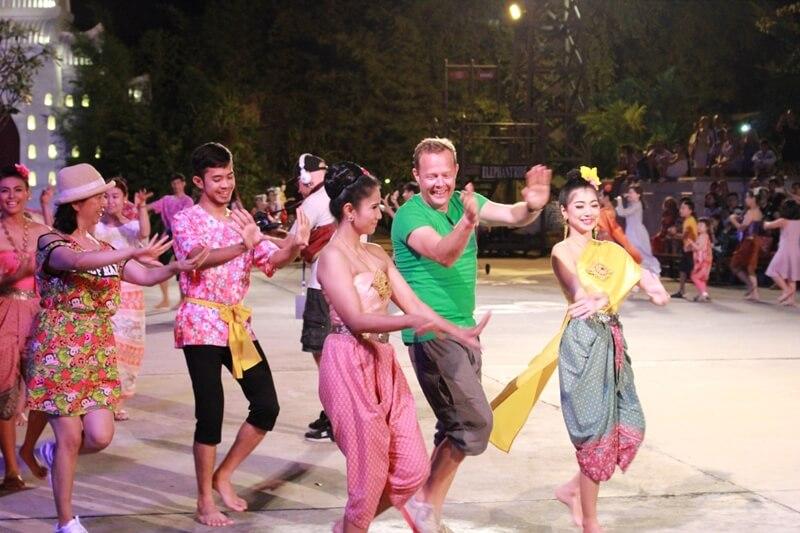 Siam Niramit Dancing