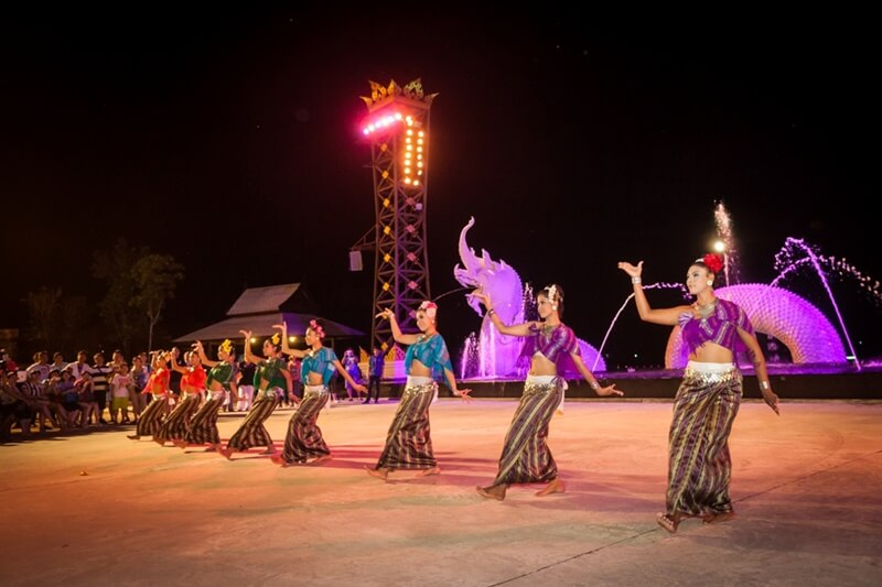 Siam Niramit dance