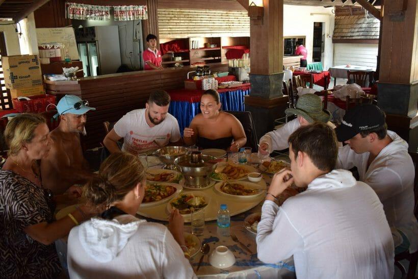 phi phi island food
