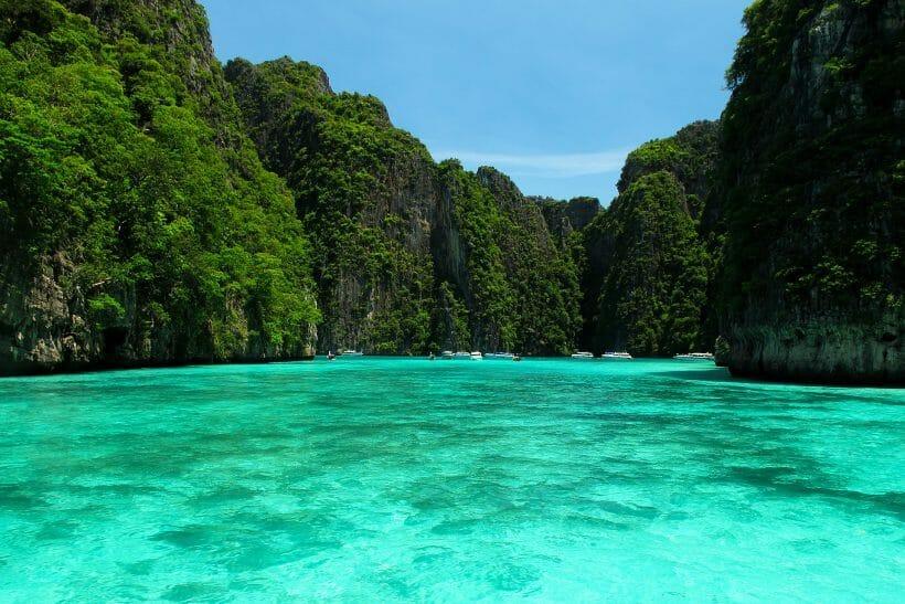 Phi-Phi-Bamboo-Island-820×547