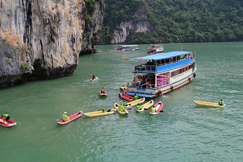 Sea Canoe James Bond