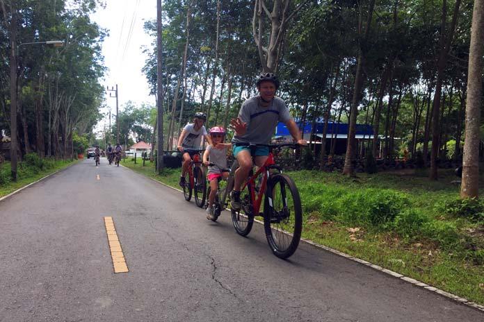 family-biking-phuket (1)